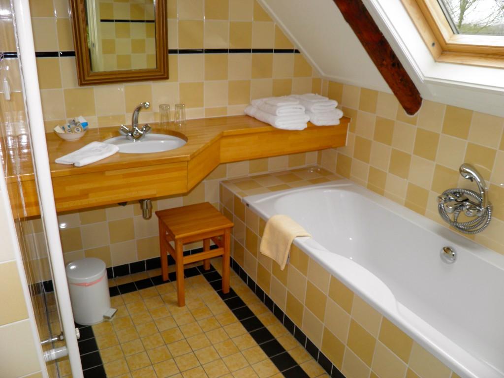 nieuwe badkamer 'boerderij stijl'
