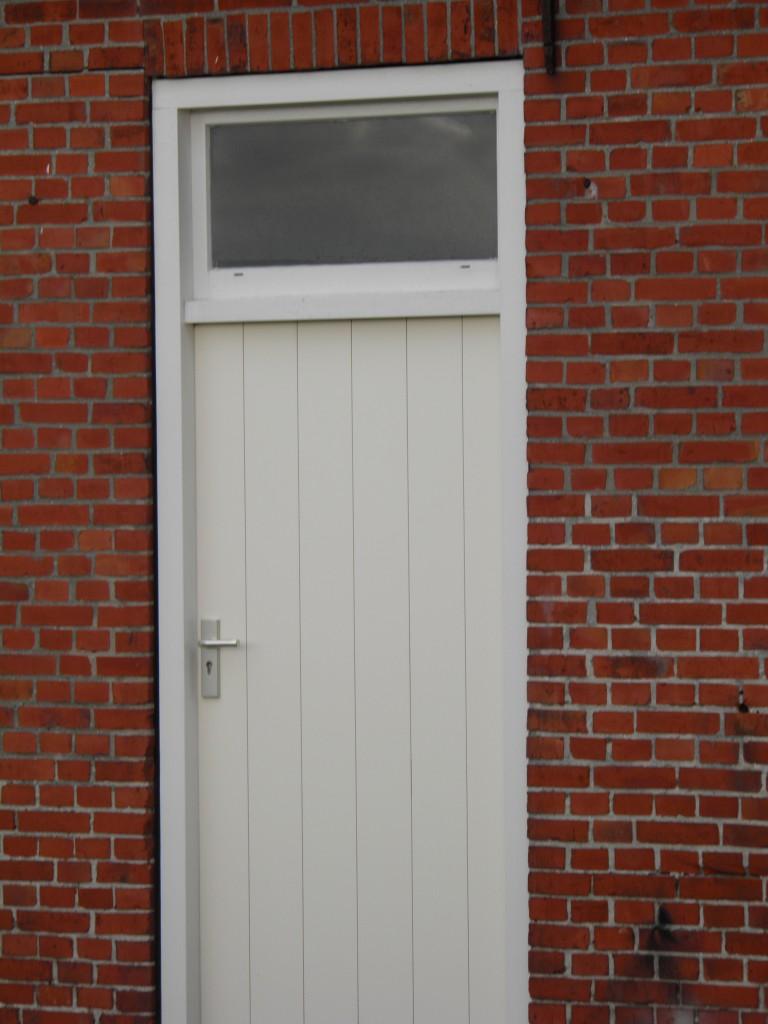nieuwe deur en kozijn